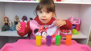 Aprendendo cores com geleca surpresa -  Learn Colors with Slime Surprise - CLUBINHO DA LAURA