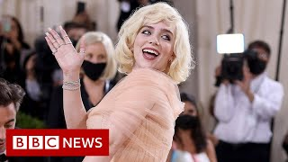 Star-spangled celebrities welcome back Met Gala - BBC News