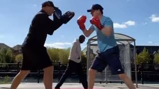 DAMN!: Top UK Rapper Aitch shows his Boxing ability!