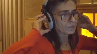 Yıldız Tilbe 'Yavaş Yavaş' türküsü için stüdyoda