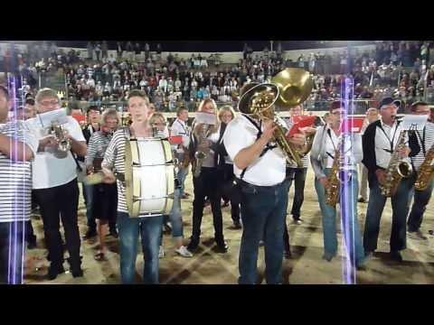 L'Encantada aux arènes - Fête votive Le Grau du Roi 2013 - Les Bomberos de Ganac