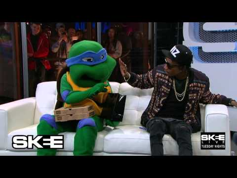 Wiz smokes with Ninja Turtle on Live TV- Only on SKEE Live!
