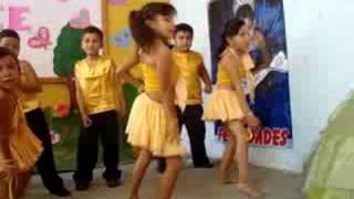 Baile Niñas Liceo Bilingue