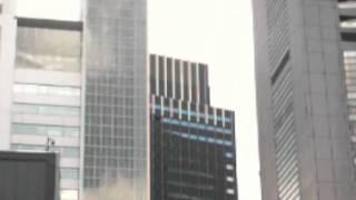 東北・関東大地震。揺れる新宿の高層ビル 2011年3月11日