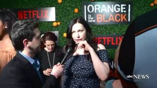 taylor schilling and laura prepon oitnb premiere 5 season piper and alex vauseman