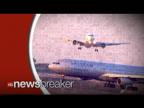 Caught on Video: Near Collision between two Commercial Passenger Planes in Barcelona Airport