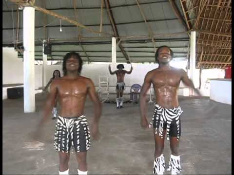 LIMPOPO AFRICAN ACROBATS GROUP FROM MALINDI 2014