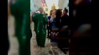 Sacerdote agredió a mujer embarazada durante un bautizo en Armenia | Noticias Caracol