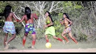 Peladas do Brasil: o futebol e a corrida de tora dos índios krahô thumbnail