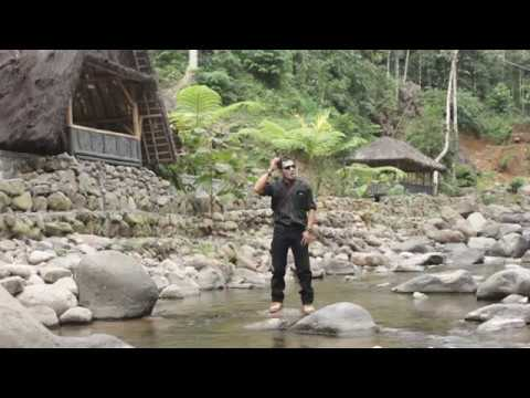 agus-kapinis---ukur-titipan-(-official-video-clip-)