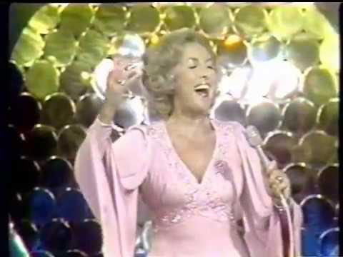 Vera Lynn:  Yours,  Auf Wiedersehn Sweetheart