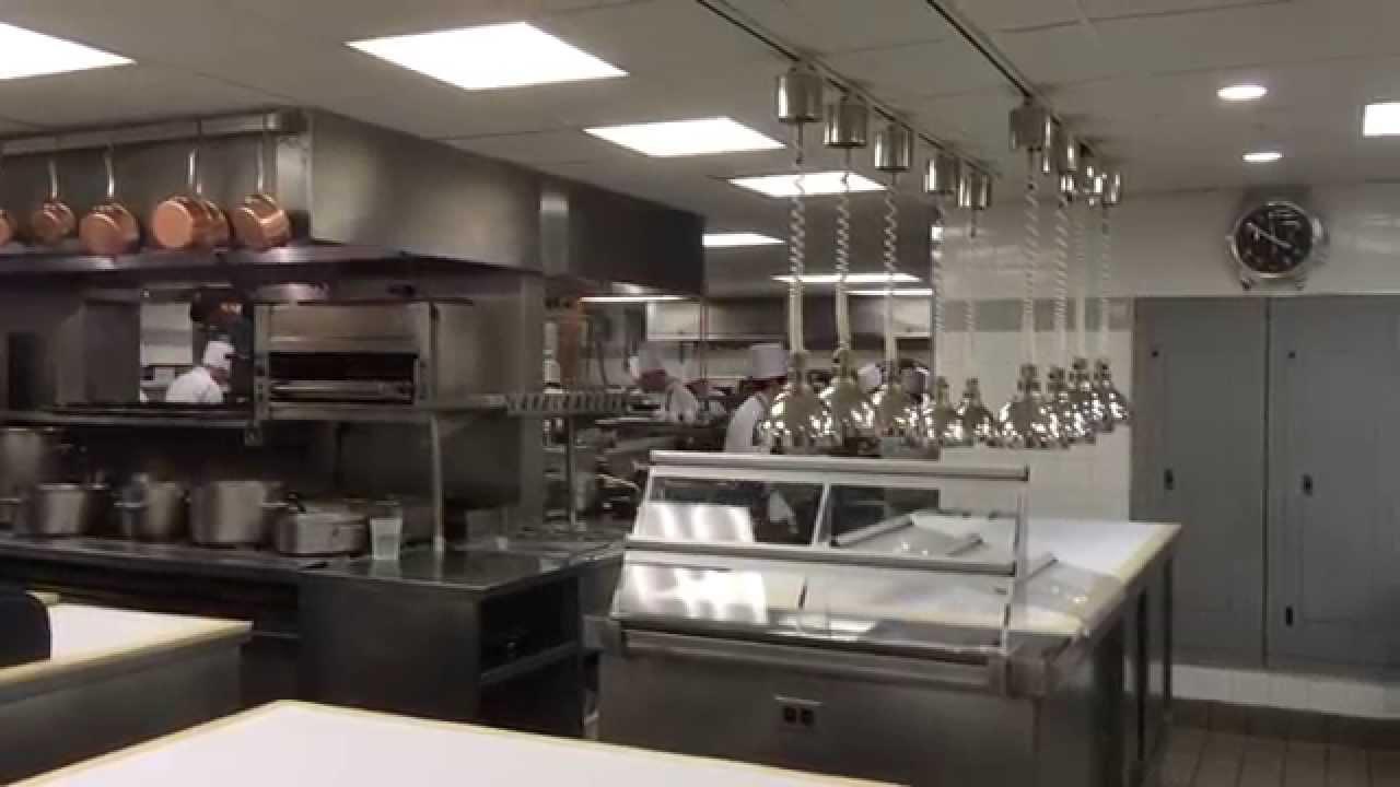 Kitchen Eleven Madison Park - YouTube