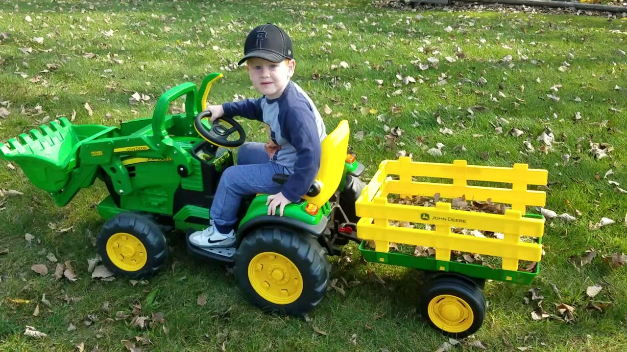 peg perego john deere farm tractor trailer pedal riding. Black Bedroom Furniture Sets. Home Design Ideas