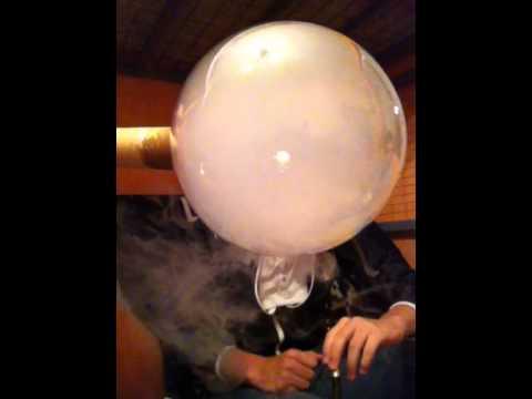 Grosse bulle de bulle de fumé avec chicha ! - YouTube