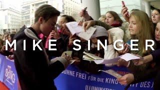 "MIKE SINGER - Europa Filmpremiere ""SING"""