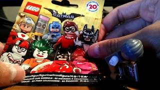 The Lego Batman Movie Minifigure Blind Bags: Commissioner Jim Gordon Review