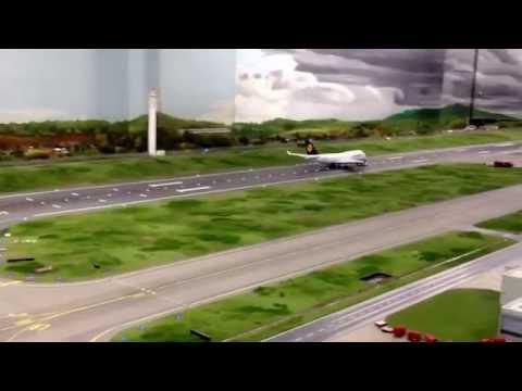 Miniatur Wunderland Hamburg - Best Airport Video!!
