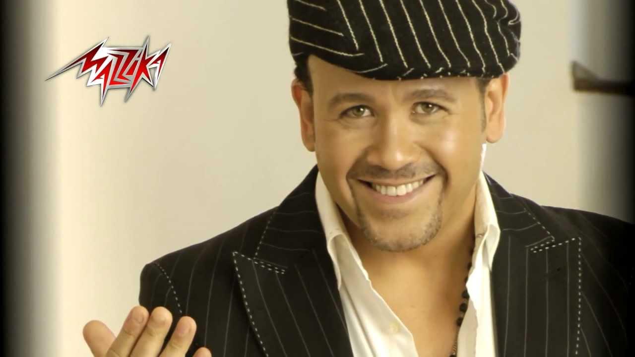 بالفيديو رد هشام عباس على انتشار الأغاني الشعبية والمهرجانات