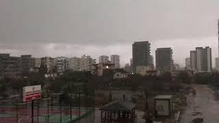 Interesting rain  Amazing video   Yağmurun enteresan şekilde dalga dalga yağışı