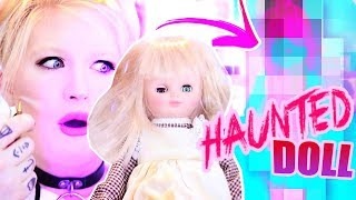 A HAUNTED DOLL PICKS MY OUTFIT AT MIDNIGHT! Spoopy Royale High Challenge 💀