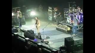 13 - Pearl Jam perform I Got ID PJ20