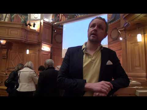 """Fredrick Federley (C) diskuterar utredningen """"Cirkulär migration""""."""