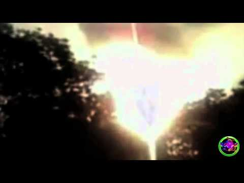 VIRGIN MARY APPEARS IN AFRICA SKY BLUEBEAM WARNING - CLEAR HD FOOTAGE