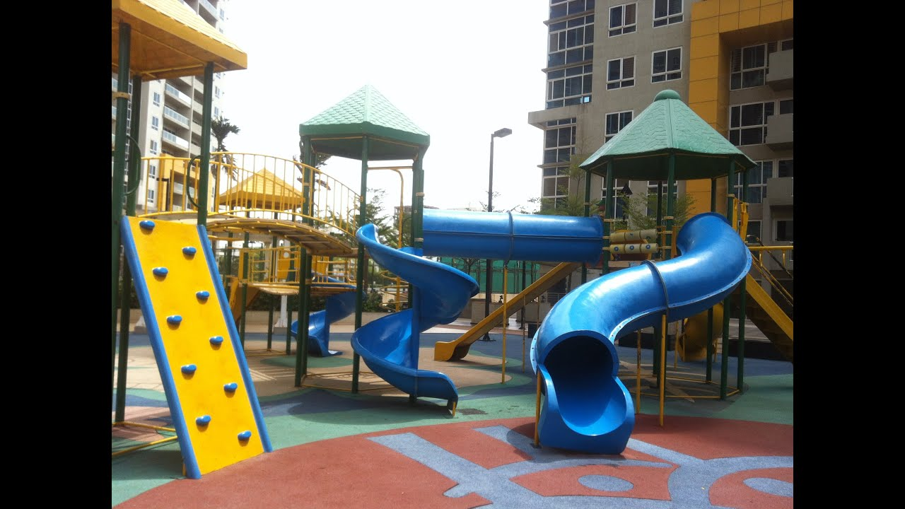 KIDS PARK Huge Playground With Slides Swings Roundabout Tunnel