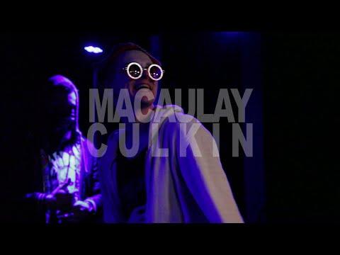Shades of Reykjavík - Macaulay Culkin live @ Húrra 19.12.15