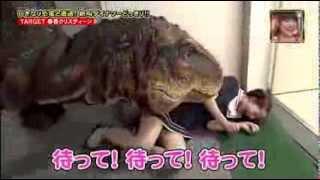 [Full] Hilarious Japanese Dinosaur Prank Japanese man terrified by 'dinosaur' on TV show