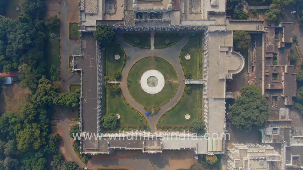 Flying over Jai Vilas Palace in Gwalior - YouTube