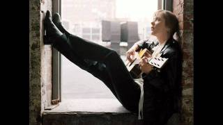 Suzanne Vega- Marlene On The Wall (Acoustic Version)