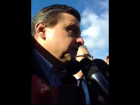 Alcoa, i lavoratori davanti allo stabilimento aspettano in Ministro Calenda