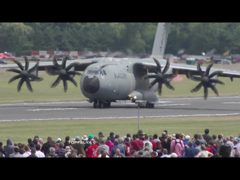 Airbus A400M best spectacular maneuvers Short takeoff landing and Wingover