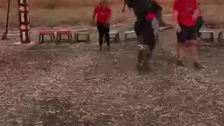 """Бег в грязи, кольца и канаты: Серена Уильямс вместе с мужем преодолели препятствия """"Spartan Race"""""""