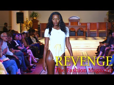 Model Stacy Betton @ Fashion Sizzle (Sept. 2017)