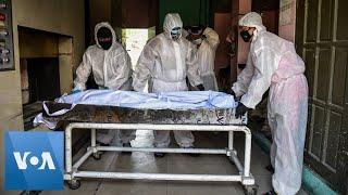 Philippines Cremate Coronavirus Victims