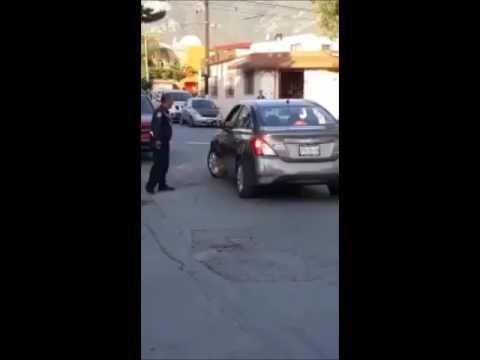 Conductor agrede a tránsito en Guadalupe, Nuevo León