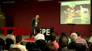 Learning with dialogue and fun: Luciano Meira at TEDxUFPE