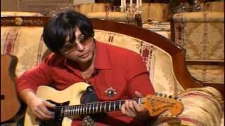 Мурат Насыров начал играть на гитаре в 7 лет