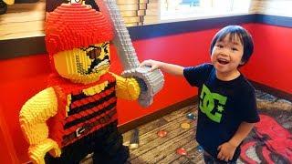 おでかけ レゴランド・ジャパン・ホテル 部屋の中にはレゴがいっぱい? レオスマイル thumbnail