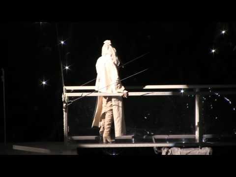 Rihanna Love The Way You Lie/Woo Live HD Detroit