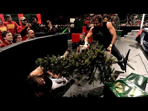 WWE RAW 12/22/14: Miracle on 34th Street Fight main events Christmas-themed RAW