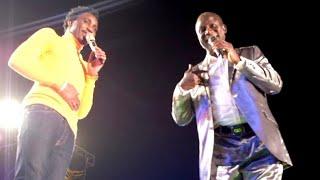 Le Duo entre Wally Seck et Thione Seck au Esplanade du Grand Théâtre fait...