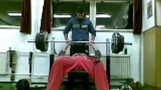 Úzký bench 165kg