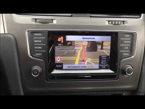 Hedendaags AXION NIK-VWZ01 Navigations-Nachrüstung in einem VW Golf 7 mit KX-63