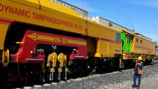 Union Pacific - 09-3X Dynamic Tamping Express - 3/16/10 (HD)