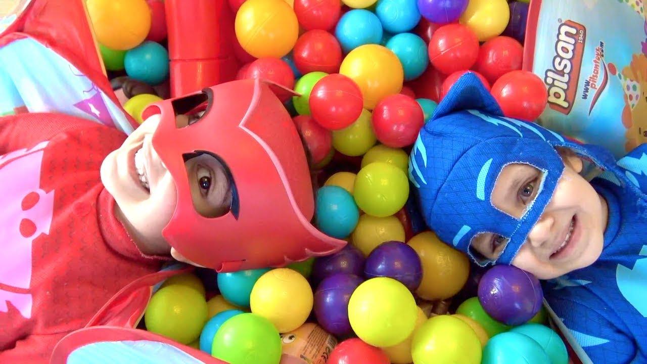 Download Pijamaskeliler top havuzundan hangi sürpriz yumurtaları buluyor? Toybox Ozmo LOL Bebek Kinder Joy