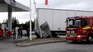 Cyklist mejades ner av tankbil