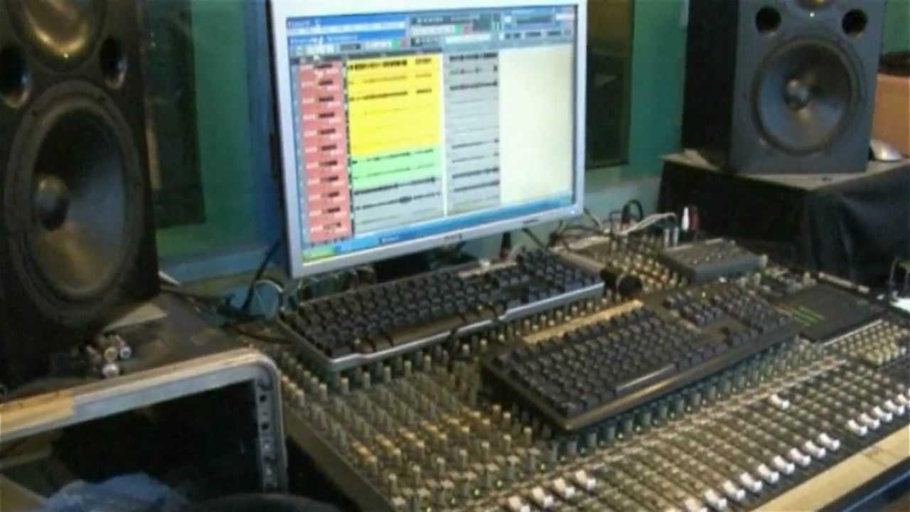 Studio d 39 enregistrement studio rives du cher tours - Meuble de studio d enregistrement ...